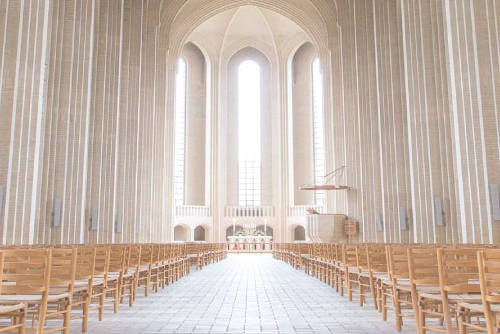 Højtid i kirken